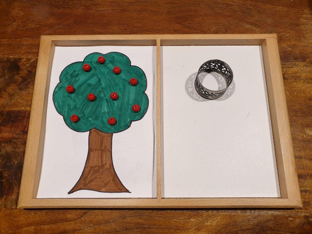 Frau Holles Äpfel sind bereit dafür, gepflückt zu werden. © ausprobiert.at