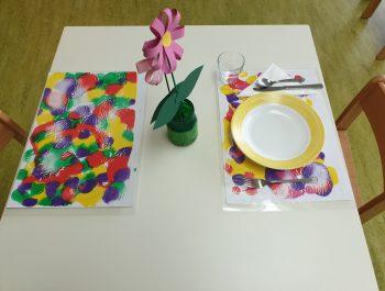 Tischsets mit Koralltechnik